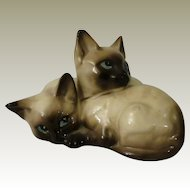 Beswick Seal Point Siamese Kittens Curled Together (small chip)