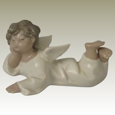 Lladro Reclining Angel 4541 Porcelain Figurine
