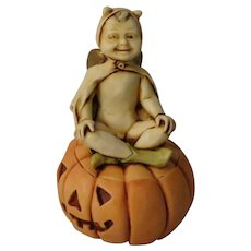 Pumpkinfest Harmony Kingdom Special Edition Event Piece Treasure Jest of Angel in Devil Costume