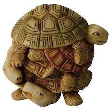 Harmony Kingdom Shell Game Treasure Jest Box Figurine with Turtles