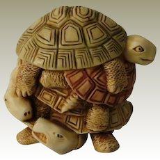 Harmony Kingdom Shell Game Treasure Jest Box Figurine with Turtles