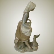 Lladro Rabbit's Food Porcelain Figurine Model #4826