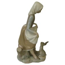 Lladro Rabbit's Food Porcelain Figurine Model #4826