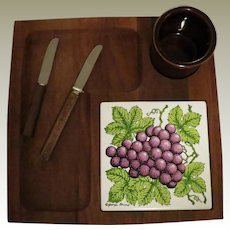 Georges Briard Cheese or Serving Board Set with Grapes Design
