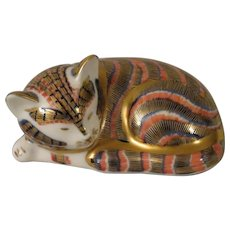 Royal Crown Derby Sleeping Kitten Imari Style Paperweight