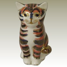 Royal Crown Derby Imari Style Kitten Paperweight