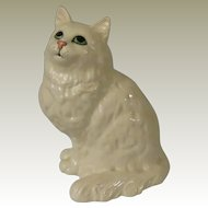 Beswick White Persian Cat Seated, Looking Up Model 1867