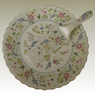 Andrea by Sadek Meadow Porcelain Cake Plate and Server