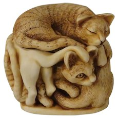 Harmony Kingdom Purrfect Friends Treasure Jest Box Figurine with Cats