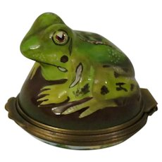 Halcyon Days Bonbonniere Enamel Box with a Three Dimensional Green Frog and Landscape
