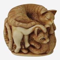 Harmony Kingdom Purrfect Friends Small Treasure Jest Box Figurine with Cats
