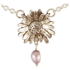 """DAVID IVER Original Genuine Pink Pearl Sterling Silver """"Happy Daisy"""" Pendant with 18"""" Cable Chain"""