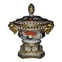 Derby imari potpourri urn, English, 1806-25