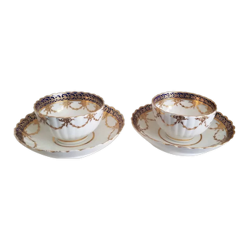 Pair of Caughley Salopian tea bowls and saucers