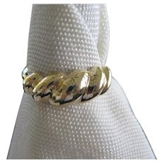 14 KT Gold Ring with Ribbed Swirls Puffy Design