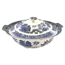 Blue Willow Pattern Vegetable Dish/ Bowl with Lid