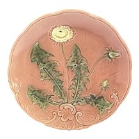 "Majolica Round 8 3/4"" Plate with Dandelion Flower"