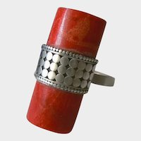 Art deco ring made of 925 sterling silver and natural coral.