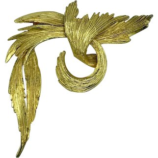 Sphinx Gold Tone Brooch