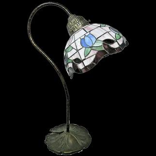 L&L WMC Tiffany Style Stainded Glass Lamp 1970's Vintage & Unique