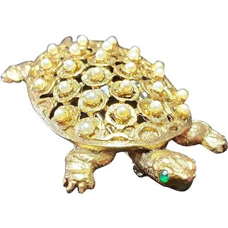 Vintage figurative Gold Tone Turtle Brooch with imitation pearls and green rhinestones