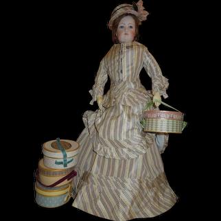 """4"""" X 2"""" Mlle. Bereux Hat Box"""
