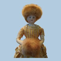 Very Light Brown Mink Hat, Muff and Hat Box for Huret Reproduction