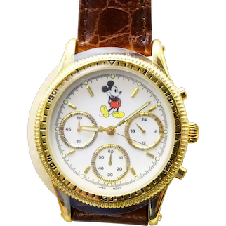 1993 Disneyland Disney Mickey Mouse Chronograph Watch Limited Edition  Never worn, brand new