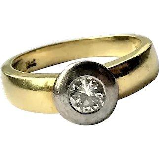 18 ct Yellow Gold Diamond Collet Set Ring
