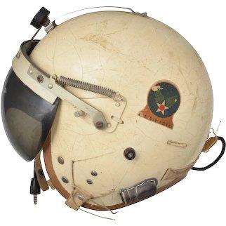 Vintage Vietnam Air Force USAF P-4A Pilot Flight Helmet White Visor Mic Cord XL