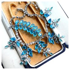 Vintage 1950s Necklace & Brooch Demi-Parure Set in Great Condition.