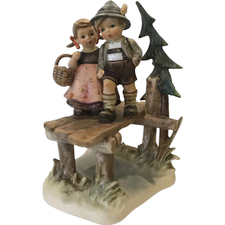 "Hummel ""On Our Way"" figurine 472"