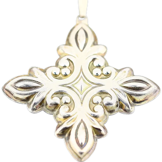 Beautiful Shiny Vintage 1987 Reed & Barton Sterling Silver Christmas Cross Ornament