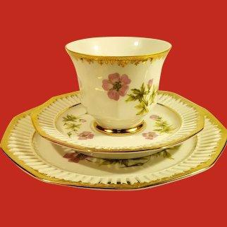 Scandinavian Svaneholm 1530 Flora Alpina Porcelain Tea set of 3- Geranium Design