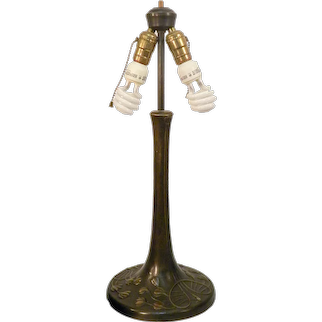 Tiffany Lily Pad Glass Lamp