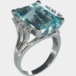 Ladies Aquamarine  and Diamond Ring in 14 Karat White Gold