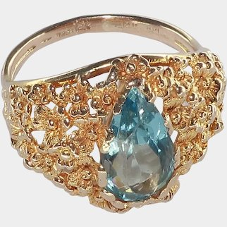 Pear Shaped Aquamarine Retro Ring in 14 Karat Yellow Gold
