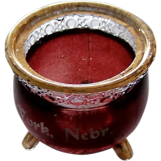 Cute souvenir Art Glass Toothpick Holder (York Nebr)