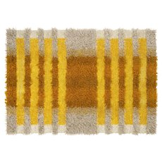 Scandinavian 20th century modern rya rug by Tabergs. 210 x 135 cm (83 x 53 in).