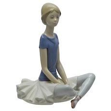 "Lladro Retired Ballerina Figure ""Beth"" #1358"