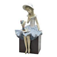 Lladro Suzy & Her Doll Wood Plinth Series Retired
