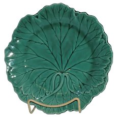 """Wedgwood Etruscan Green 8"""" Cabbage Leaf Plate"""