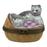 Vintage Limoges France Mother Cat Kitten Basket Peint Main Porcelain Trinket Box