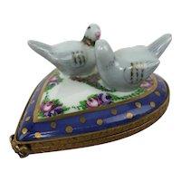 Vintage Limoges France Love Birds Heart Rococo Peint Main Porcelain Trinket Box
