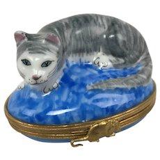 Vintage Limoges France Cat Kitten Blue Pillow Peint Main Porcelain Trinket Box