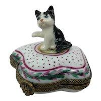Vintage Limoges France LB Tuxedo Cat Kitten Peint Main Porcelain Trinket Box