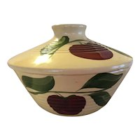 Watt Pottery Apple 3 leaf pattern, Ridged covered casserole bowl