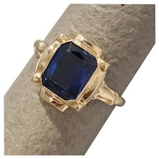 Size 5.5 Retro Simulated Blue Sapphire 10K Gold Ring