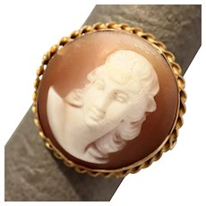 Size 6.75 Carved Sard Shell Cameo 14K Gold Round Ring 4.1g