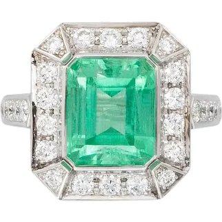 5.28 Ct No-oil Russian Emerald White Diamond 18 k Gold Fashion Cocktail Ring